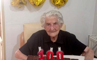Homenaje a Justina para celebrar sus 100 años